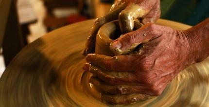 Točí celá rodina - odpolední minikurz keramiky a hrnčířství