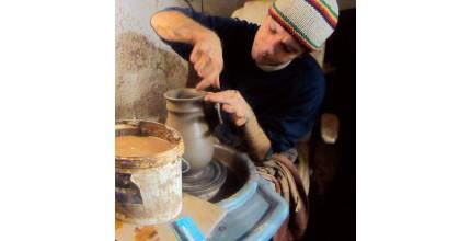 Rodiče odpočívají, děti si hrají - relax v keramické dílně