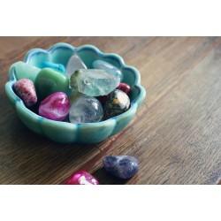 Léčivé kameny a esoterické předměty v hodnotě 1000 Kč