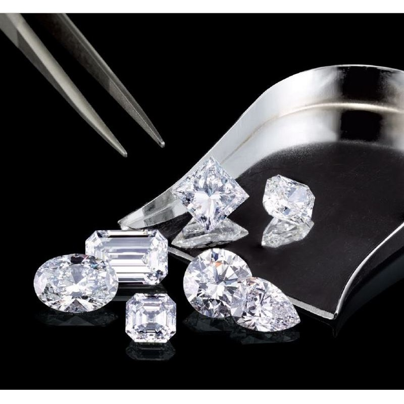 Dárkový poukaz na RED BOX DIAMONDS - certifikovaný diamant v hodnotě 100 000 Kč