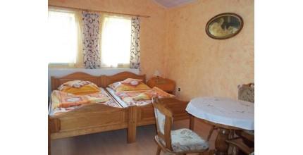 Ubytování v PENSIONU FAMILIA HARRACHOV pro 2 osoby - 4 noci