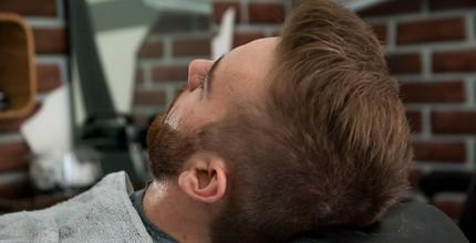 Střih a holení břitvou pro muže