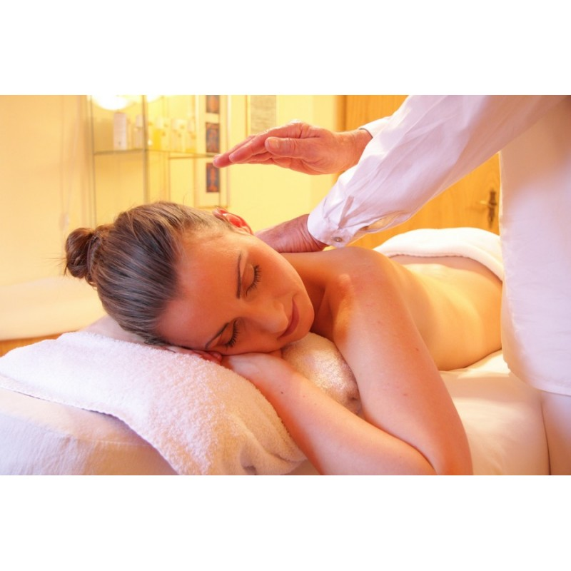Dárkový poukaz na hodinovou relaxační masáž zad a šíje  hodnotě 600 Kč