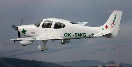 Vyhlídkový let nad Brnem pro 1 osobu v délce 30 minut luxusním letounem CIRRUS SR 20