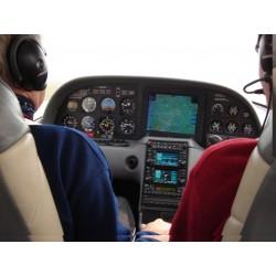 Dárkový poukaz na vyhlídkový let CIRRUS SR 20 : Zámky v délce 45 minut v hodnotě 2999 Kč