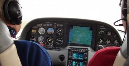 Pilotem na zkoušku v délce 60 minut letu + 45 min teorie luxusním letounem CIRRUS SR 20