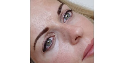 Permanentní make-up obočí pudrovou metodou
