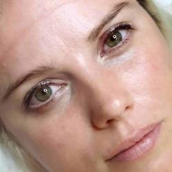Dárkový poukaz na permanentní make-up horních očních linek v hodnotě 2 466 Kč