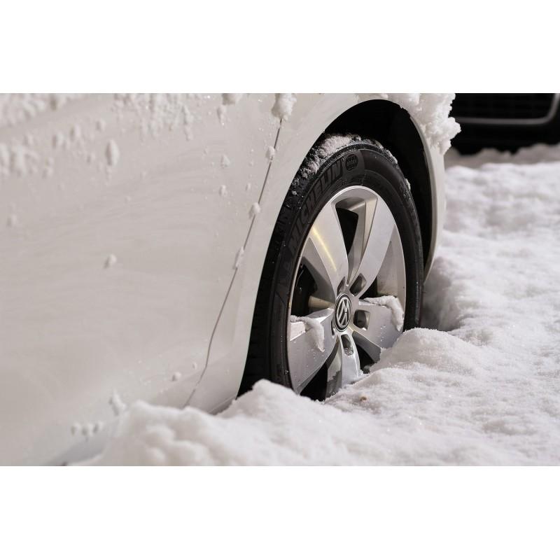 Dárkový poukaz na kurz Vyprošťování vozidla ze sněhu nebo příkopu