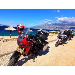 Zapůjčení motocyklu s automatickou převodovkou na celý den