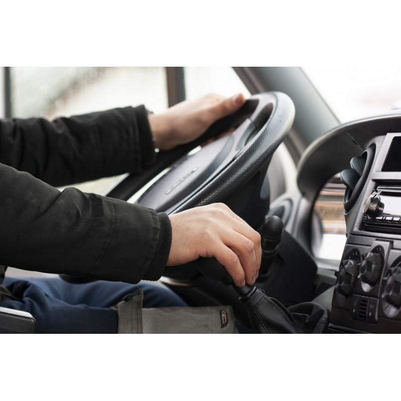 Dárkový poukaz na 10 hodin praktického výcviku autoškoly v hodnotě 4500 Kč