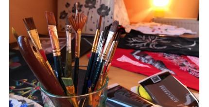 Ručně malovaný textil a doplňky dle vlastního výběru