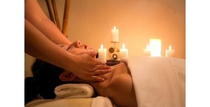 Tři masáže celého těla v masážním salónu s tradicí