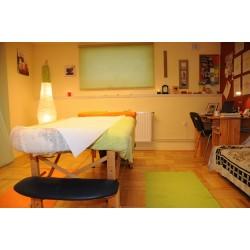 Jedna masáž celého těla v masážním salónu s tradicí