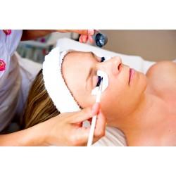 Kosmetické ošetření obličeje s masáží očního okolí