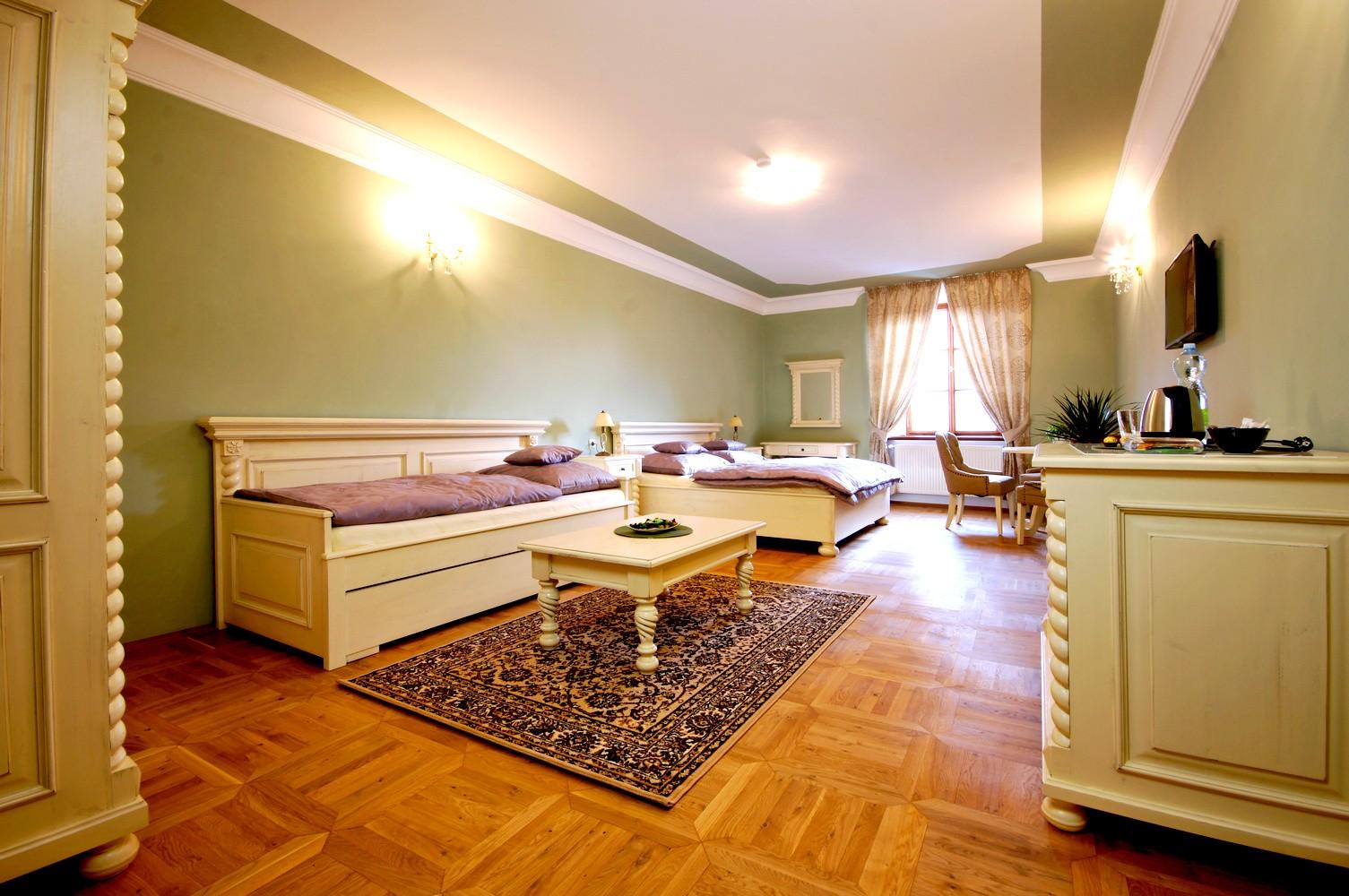 Dárkový poukaz na relax s nádechem luxusu v Kuté Hoře - 7 500 Kč